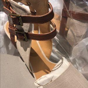8.5 Medium Linen and brown Heels